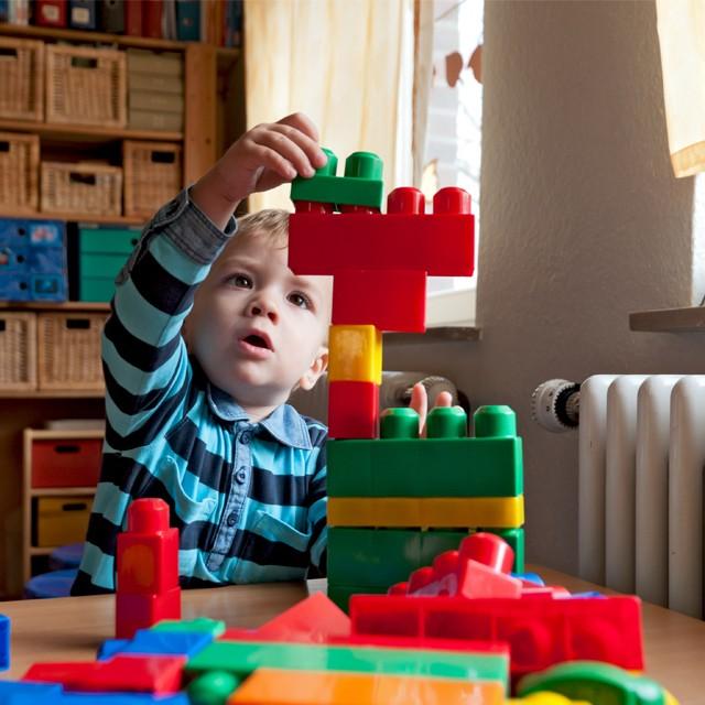 推薦適齡積木玩具,玩樂中開發小頑家腦力