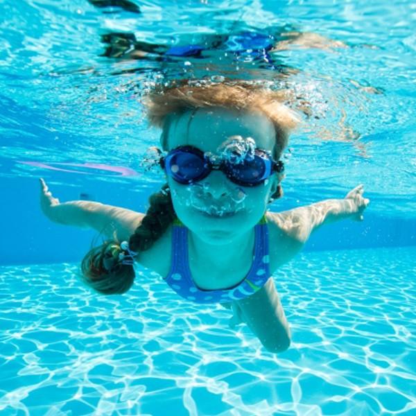 看起來沒事的溺水更可怕,夏日戲水應注意的乾性溺水,最常被忽略的隱形症狀。